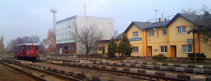 Železniční stanice Heřmanův Městec is one of Železniční stanice ČR: H (3/14).