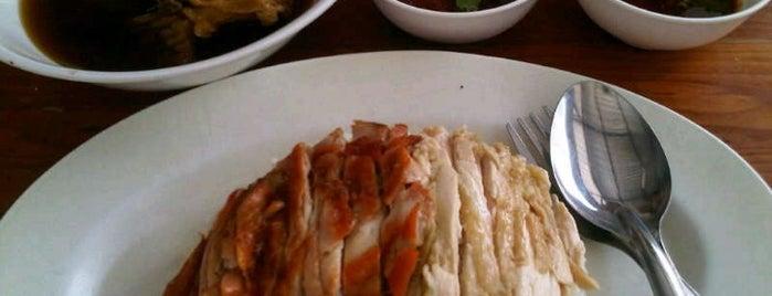 ข้าวมันไก่น้ำข้น-น้ำใส U-House is one of My favorites for Thai Restaurants.
