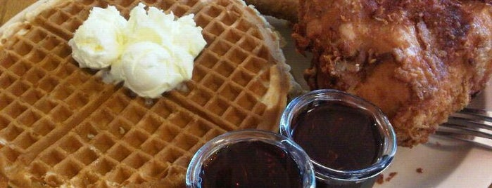 Roscoe's House of Chicken and Waffles is one of LA Food list.