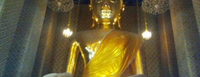 วัดกัลยาณมิตรฯ (Wat Kalayanamitr) is one of Bangkok (กรุงเทพมหานคร).