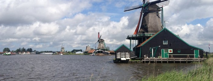 Verfmolen De Kat is one of Dutch Mills - North 1/2.
