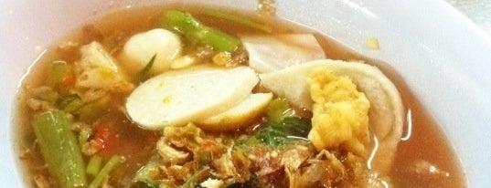 ตี๋ เย็นตาโฟรสเด็ด (Tee's Yen ta fo) is one of Feed Me.