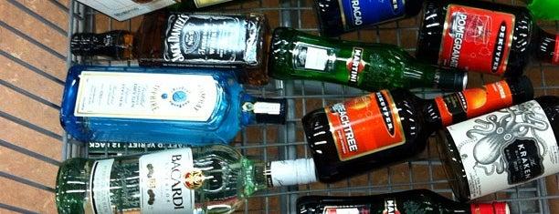 Cork 'N Bottle is one of Cincinnati Beer Geek.