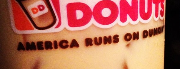 Dunkin Donuts is one of Noms.