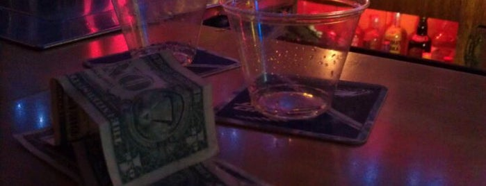 McKenna's Tavern is one of Bars.