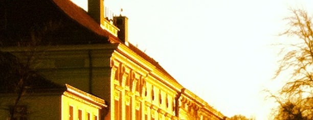Bellevue Palace is one of I Love Berlin!.