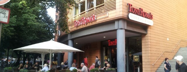 Tony Roma's is one of The best restaurants in Berlin and its environs.