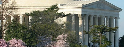 Thomas Jefferson Memorial is one of National Mall Tour.