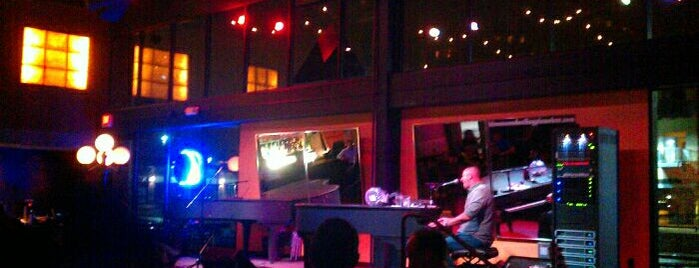 Blue Moon Piano Bar is one of Entertainment: USA.