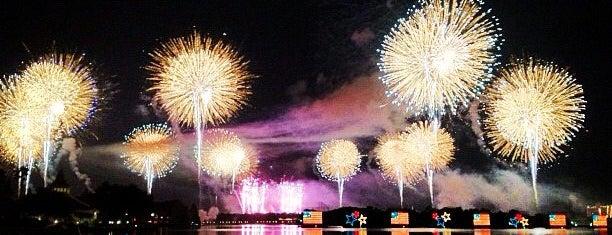 Disney's Polynesian Village Resort is one of Orlando Wedding - herorlandoweddingplanner.com.
