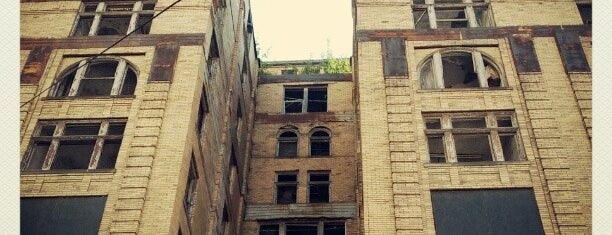 David Whitney Building is one of Detroit in Ruins.
