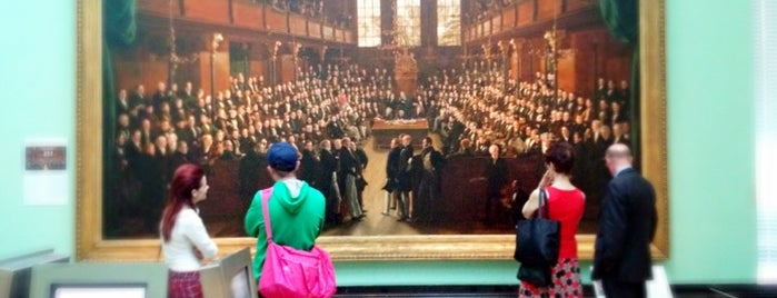 National Portrait Gallery is one of London's West End.