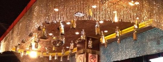 La Perla (disco) is one of Bebidas..