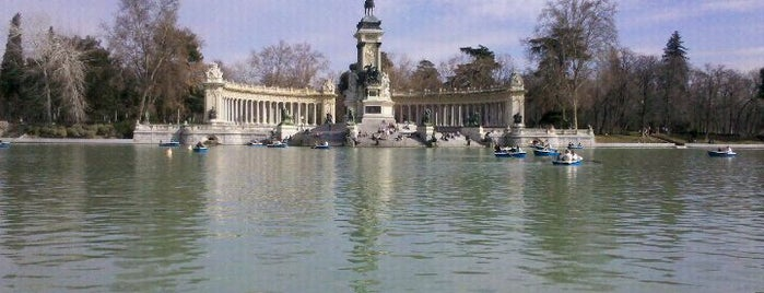 Parque del Retiro is one of Típico en mi.
