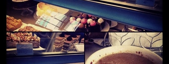 Vanille Cafe & Patisserie is one of Sweet Escape.
