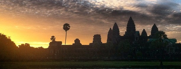 Angkor Wat Temple (អង្គរវត្ត) is one of Places To See Before I Die.