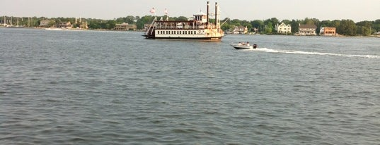 River Lady Riverboat Tours is one of The Droid U Were Looking 4's Tips.