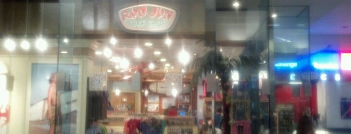 Ron Jon Surf Shop is one of Beat Boredom At The Airport.