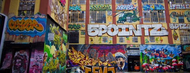 5 Pointz is one of Abandoned NYC.