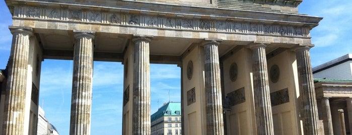 Brandenburger Tor is one of Guten Tag, Berlin!.