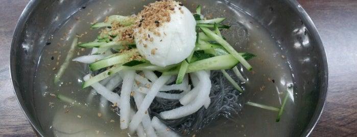 아바이냉면 is one of food.