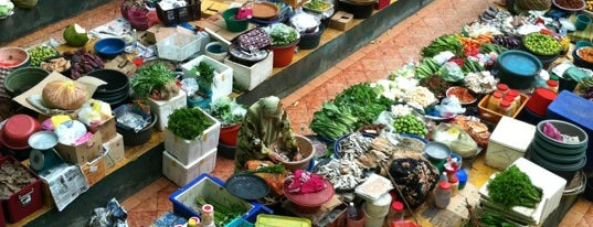 Pasar Besar Siti Khadijah is one of Guide to Kota Bharu's best spots.