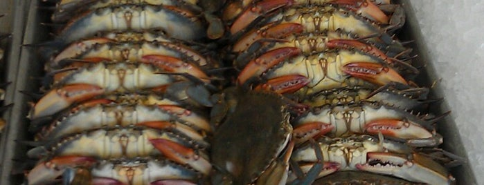 Conrad's Crabs & Seafood Market is one of GOTTA BE FROM BMORE TO KNOW ABOUT:.