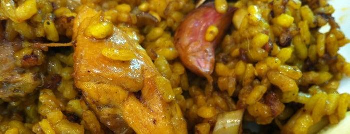 Mi Barra CaLadis is one of Restaurantes!!.