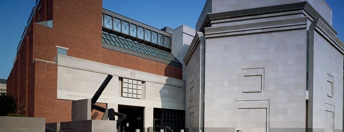 United States Holocaust Memorial Museum is one of 새소식.