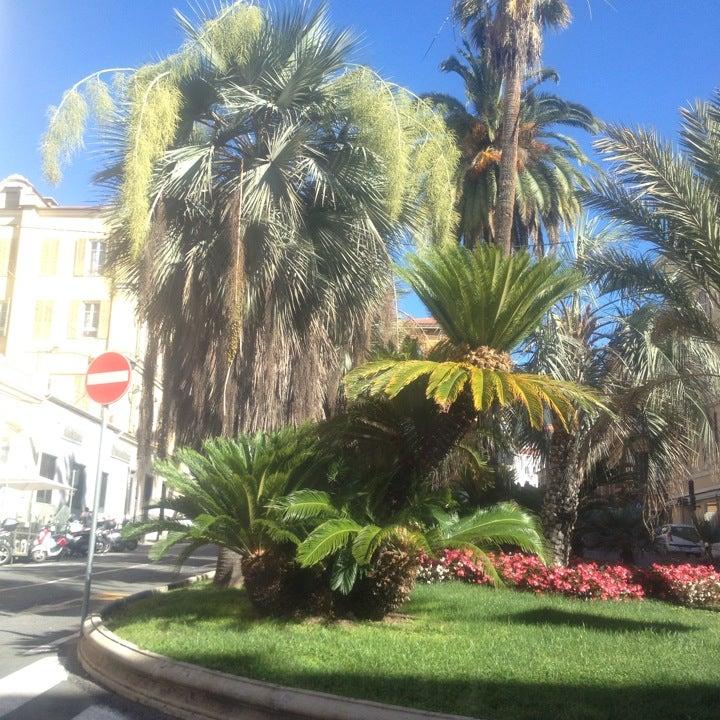UniCredit Banca: sede di Sanremo Via Roma