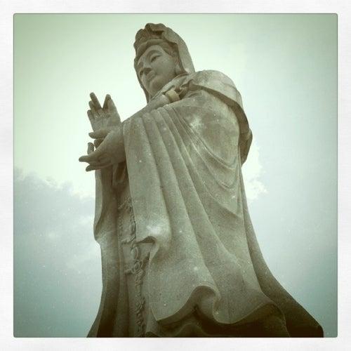 Vihara Avalokitesvara Dewi Kwan Im (Guan Yin 观音)