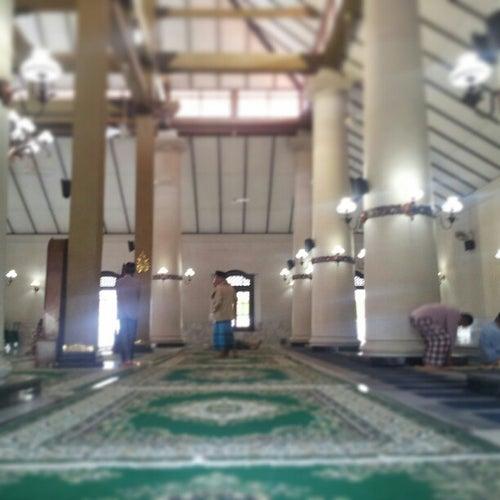 Masjid Menara Kudus (Masjid Agung Kudus)