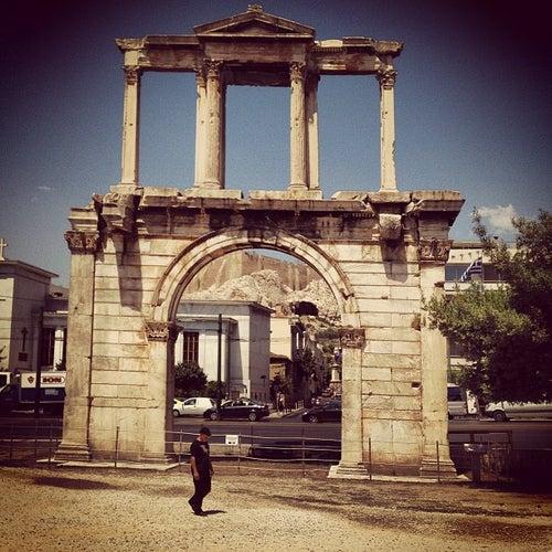 Πύλη του Αδριανού (Hadrian's Arch)