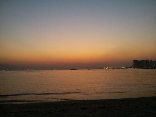 Golden Beach 黃金泳灘