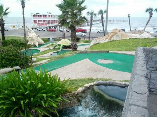 Magic Carpet Golf