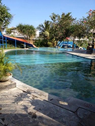 Kolam Renang Taman Segara Madu