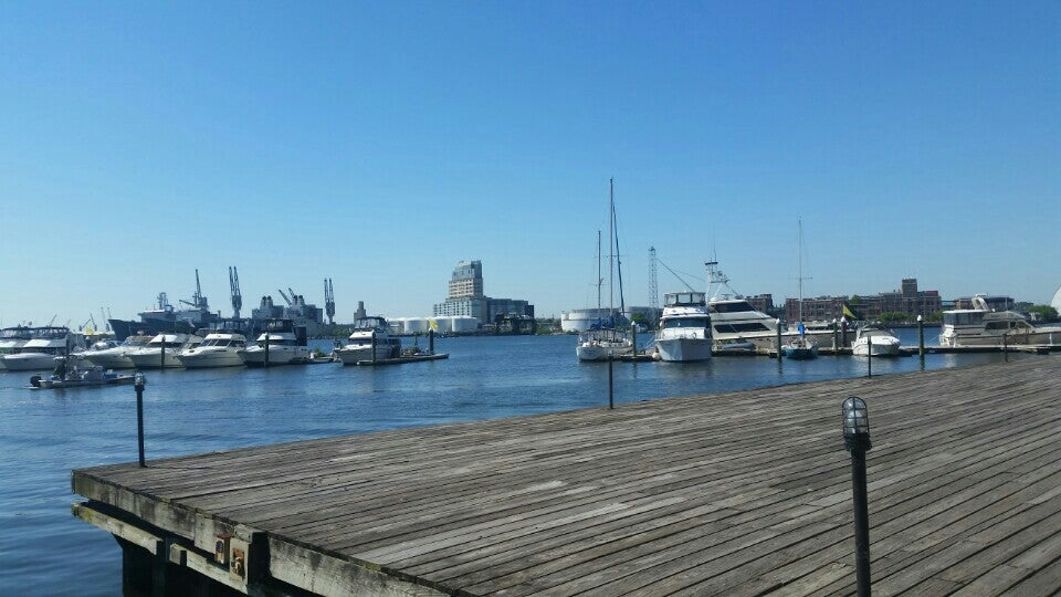Henderson's Wharf Marina,