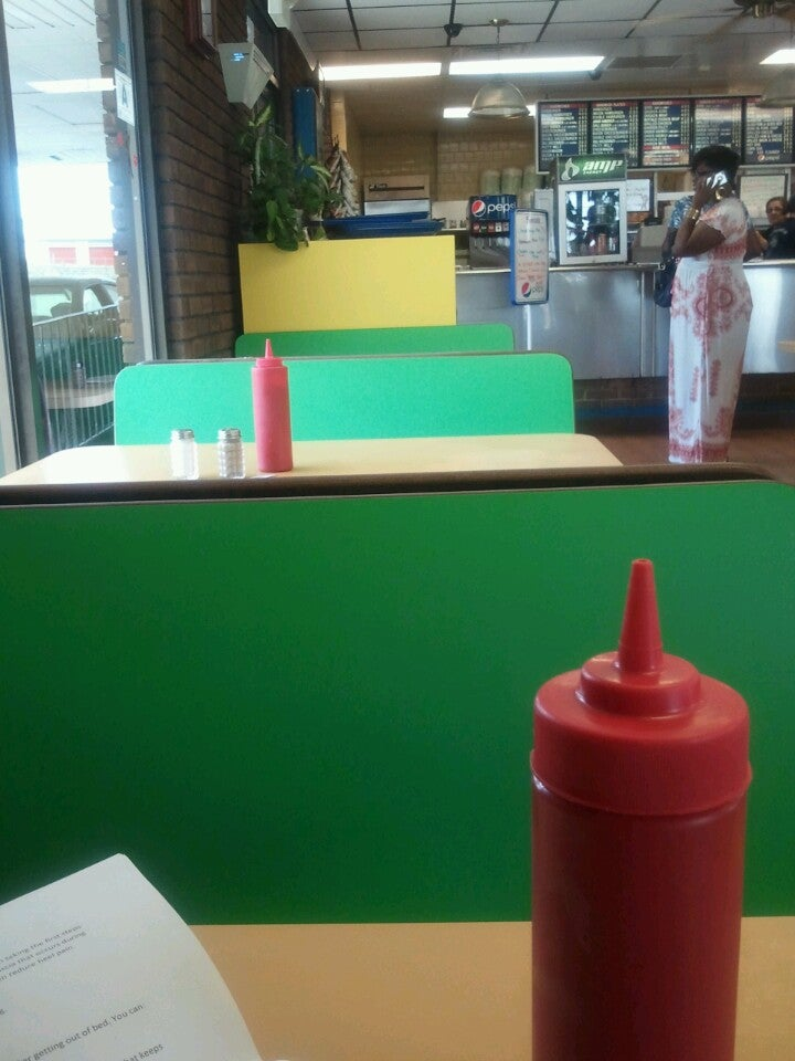 Petee's Drive-In,