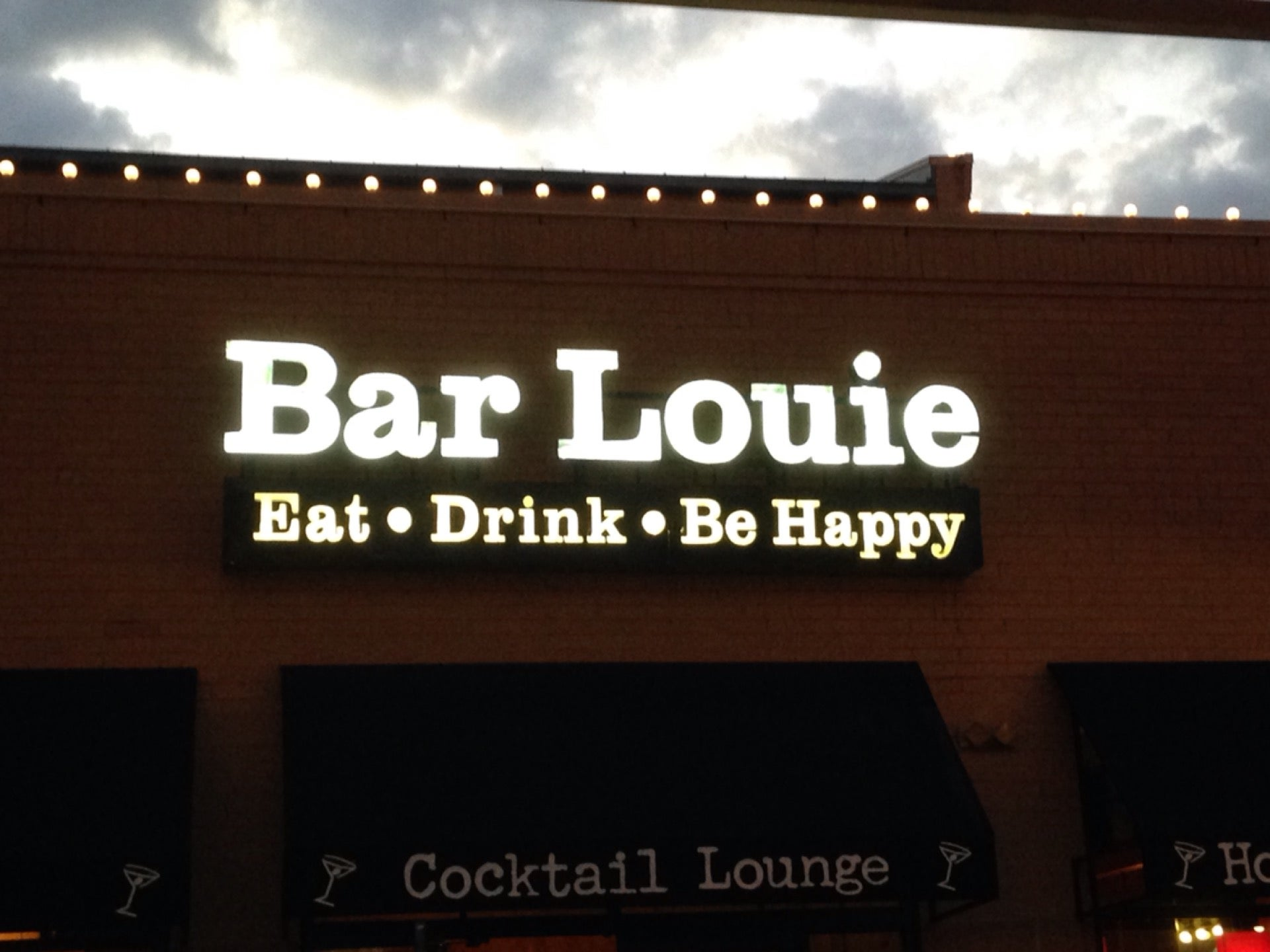 Bar Louie Station Square,beer,cocktails,sports