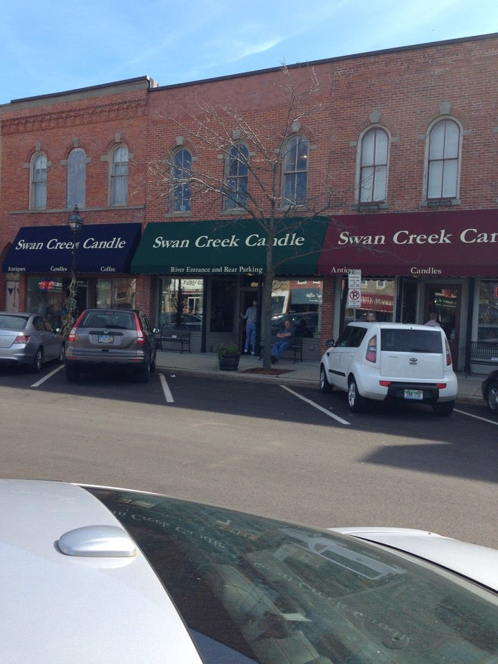 Swan Creek Candle Outlet,