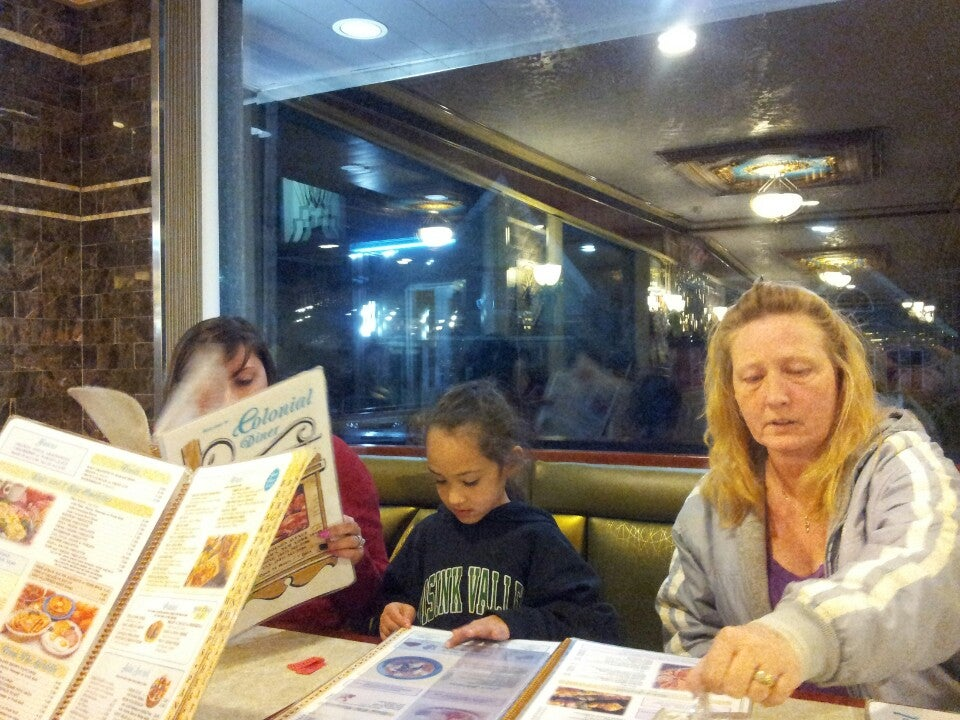 COLONIAL DINER,