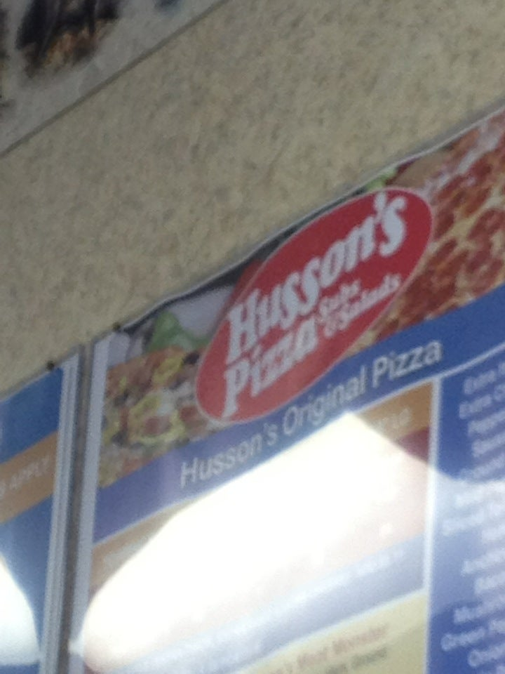 Husson's Pizza,
