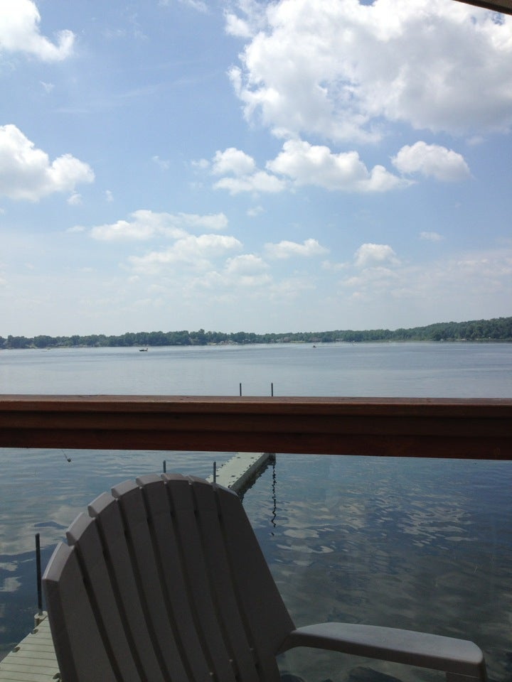 Lake Inn,