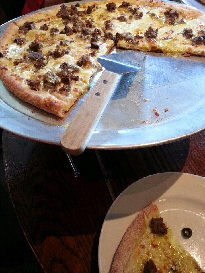 Saza's Pizza,