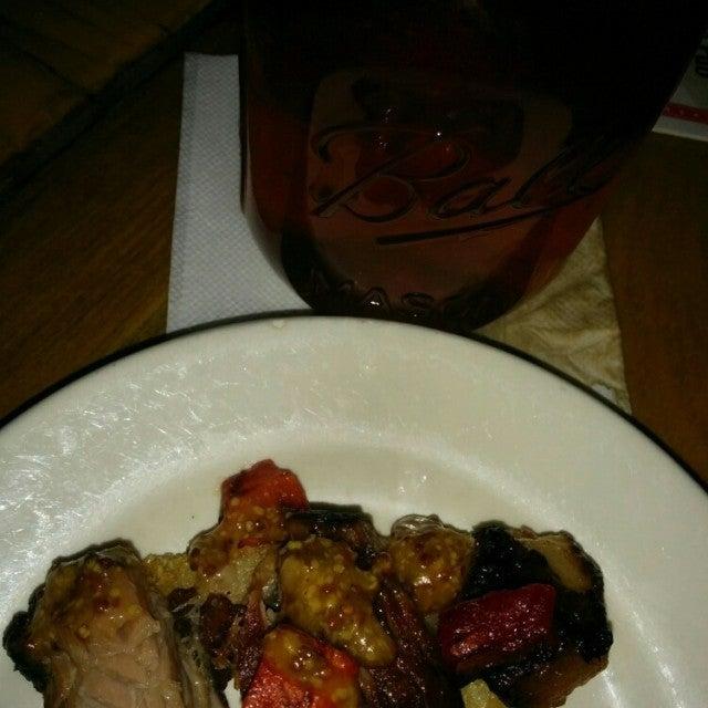 Red Parka Pub,steaks, seafood, bar, entertainment, live music