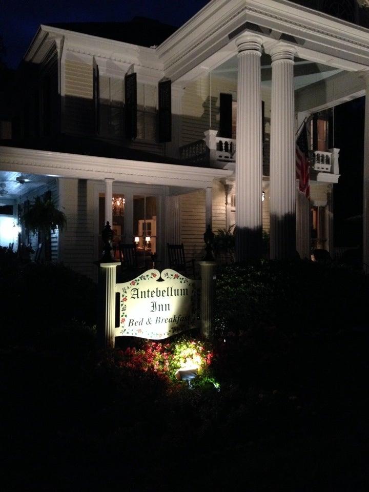 Antebellum Inn,
