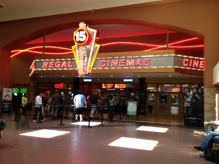 Regal Cinemas Valley River Center 15 & IMAX