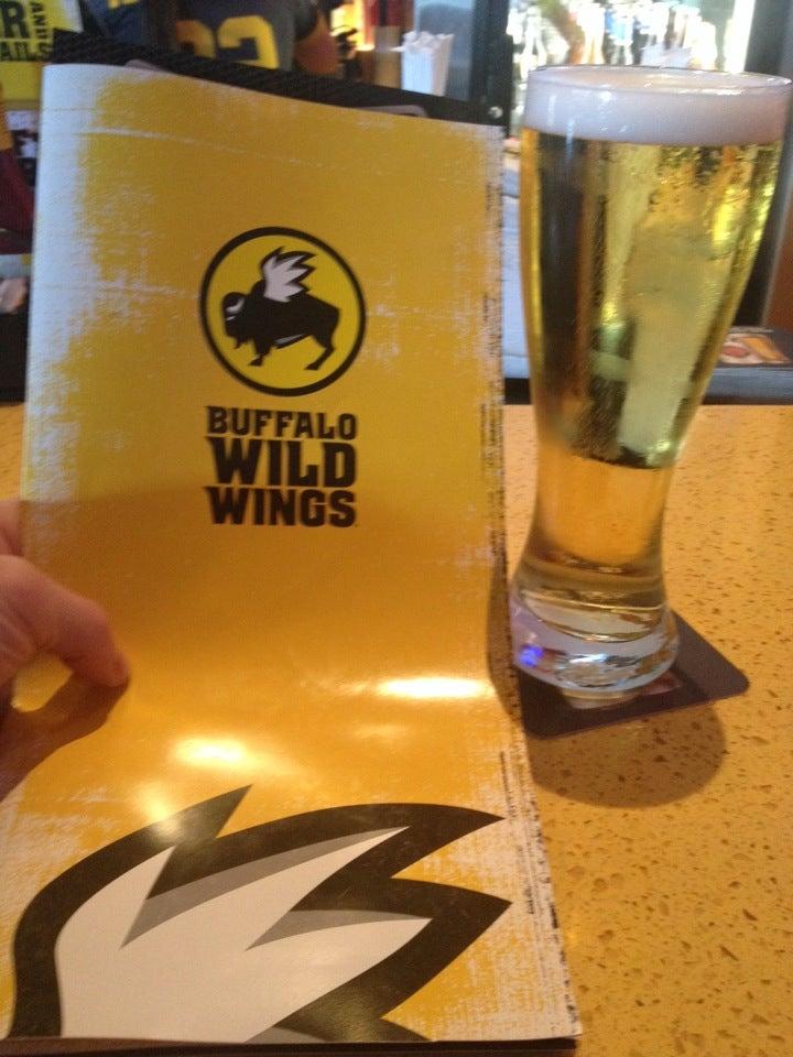 Buffalo Wild Wings Grill & Bar,Beer,Buffalo Wings,Sports,Sports Bar,Wings