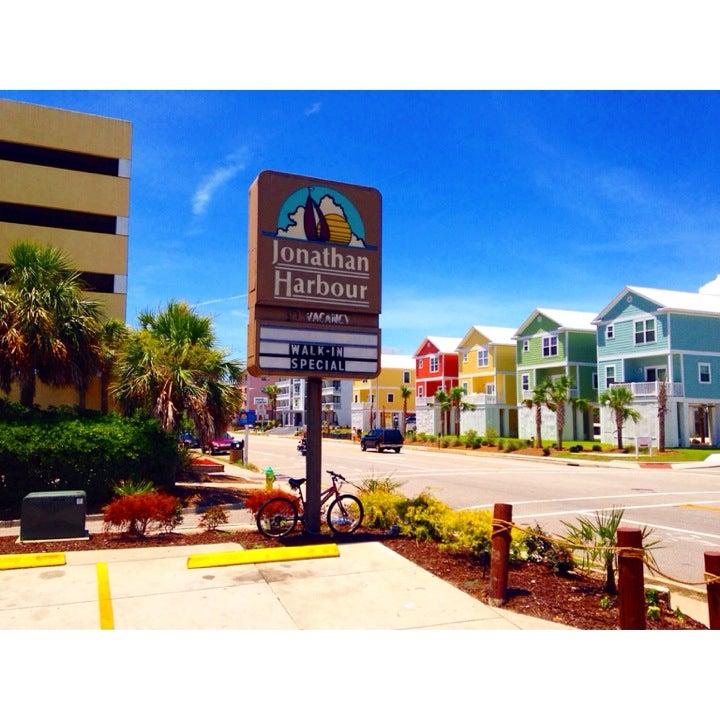 Jonathan Harbour Resort,