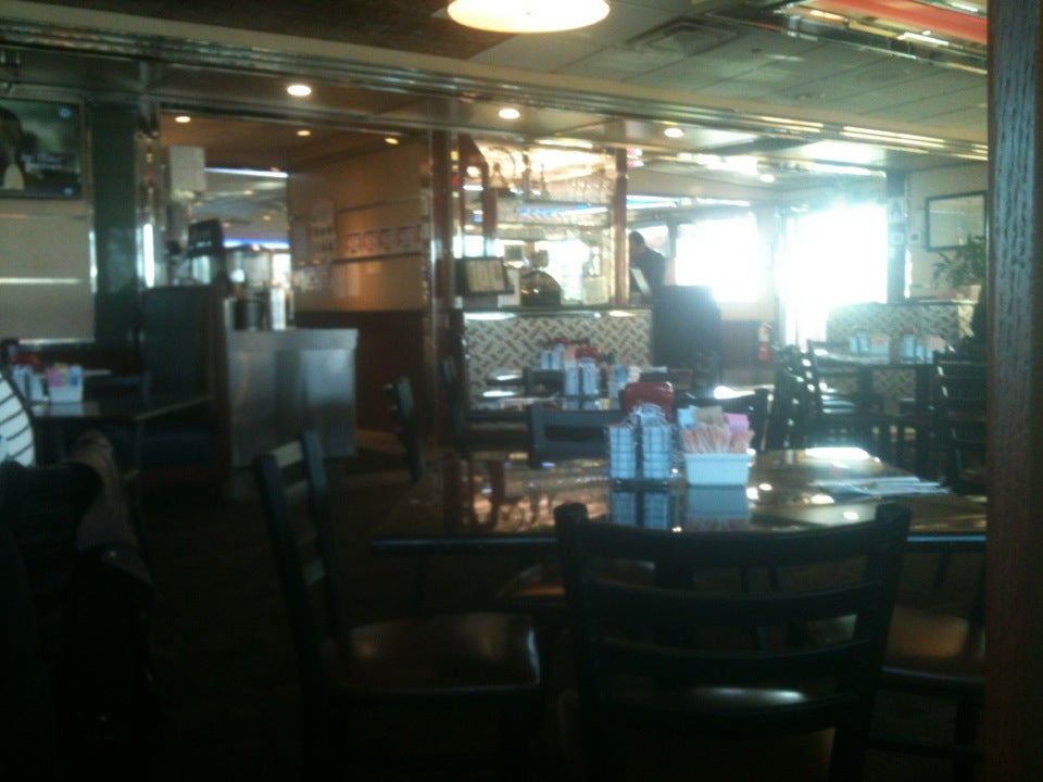 Parkview Diner,24 hours,breakfast,burgers,diner,dinner,lunch,sandwiches